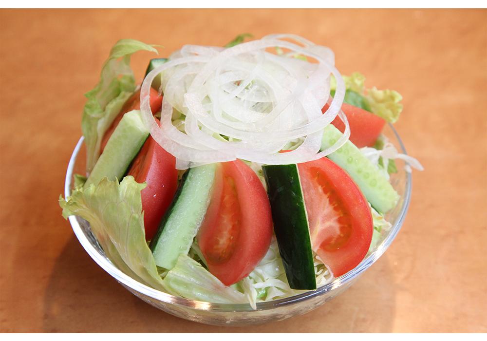 ジャンボ野菜サラダ(Jumbo green salad)